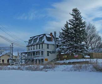 The Reinholds Inn and old R&C RR Station - December 2009